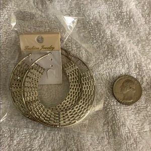 Silver basket weave hoops earrings